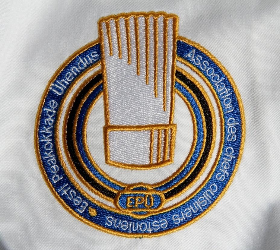 Logode tikkimine riietele